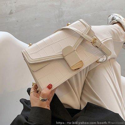 女士鏈條斜挎小包包女流行新款潮時尚百搭單肩腋下小方包 日韓新款鏈條包 學院風斜挎包側背包書包 多色可選