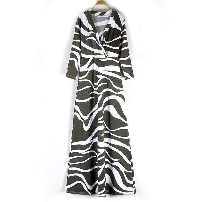 [C.M.平價精品館]均碼特價/收腰顯瘦簡約V領黑白曲紋大氣有型半袖洋裝