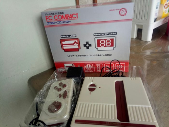 What's mall☆【FC COMPACT 任天堂】內鍵88種遊戲。全新品800元