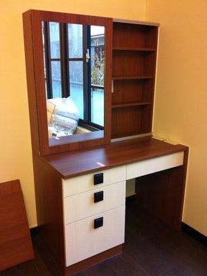 「歐雅系統家具」系統櫃 系統化妝台 德國進口EGGER 防潮塑合板 特價$12446