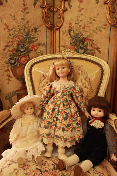 【家與收藏】稀有珍藏歐洲古董法國古典精緻優雅碎花洋裝古董瓷娃娃
