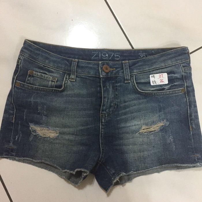 Zara 西班牙專櫃品牌 ❤️二手   丹寧風牛仔短褲