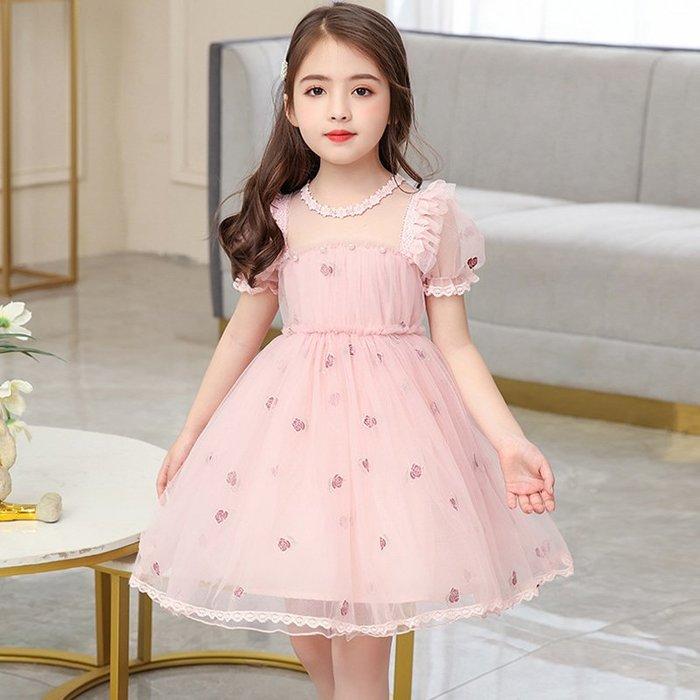 •*~ 辣媽咪衣飾小舖 ~*•❤童裝系列❤K770497韓版大童夏款甜美刺綉花蕾絲公主裙網紗拼接洋裝