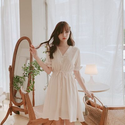 日韓小耳-2019HANSHOW韓版夏季新款連身裙 甜美氣質小香風收腰顯瘦蕾絲花邊V領連身裙