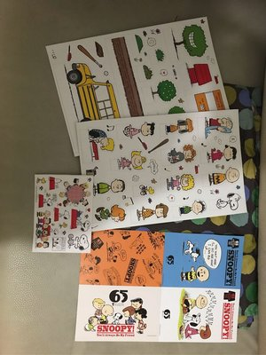 Snoopy postcards stickers paper stand