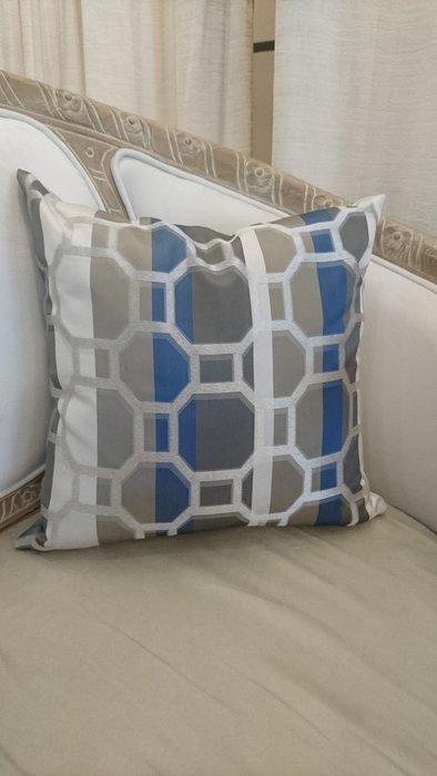 [C040]高檔緹花布 幾何蜂巢格 六角圖騰 45*45公分 抱枕 低調奢華 現代 美式 棉心另購