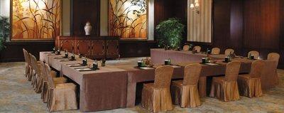 居家家飾設計 會議桌巾系列 全罩式桌罩-三面圍開二摺-桌罩不易滑動/立體式剪裁車縫-需量身訂製-長*寬*高