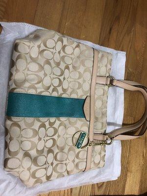 【直購價2500元含運】COACH 28504 經典 綠色 c logo 織布x皮革材質 手提/肩背包