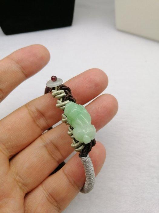 《D.N.醉愛翡翠》天然緬甸玉A貨翡翠 糯冰種,綠貔貅手串