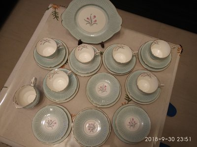 現貨---PARAGON 郁金香圖案28件套杯盤組