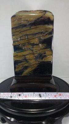 大件烏鴉皮田黃薄意 高16公分 寬10公分 厚10公分