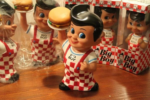 (I LOVE樂多)美國70sBig Boy餐廳的代表人物存錢公仔家中早餐店美式漢堡多處擺飾皆宜