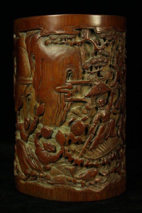 悅年堂 --- 竹雕 群仙過海圖 筆筒