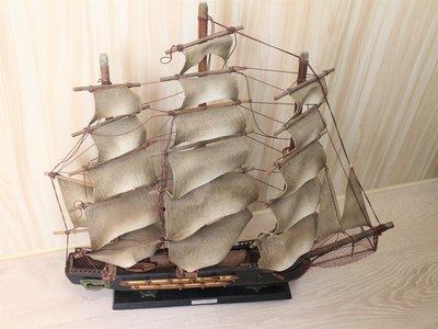 【古物獵藏】老式西班牙護衛艦木製模型帆船 Fragata Espanola Ano 1780年,底座稍微不穩固