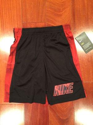 Nike 男童運動休閒短褲 尺寸7歲