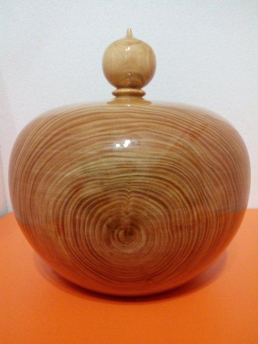 【九龍藝品】台灣紅檜木   飽滿型聚寶盆    質量重.超値.寬約28.5公分 VP2466