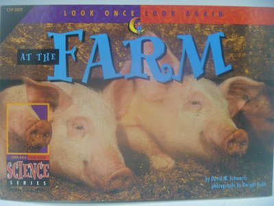 【月界】At the Farm-Look Once,Look Again Science Series〖少年童書〗CER
