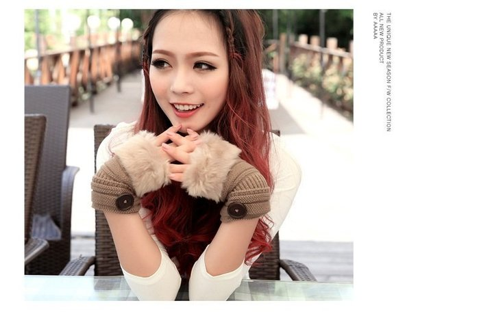 ☆Candy Box☆冬季可愛仿兔毛皮草露指護手保暖毛線觸屏半指手套 卡其 Y1420855