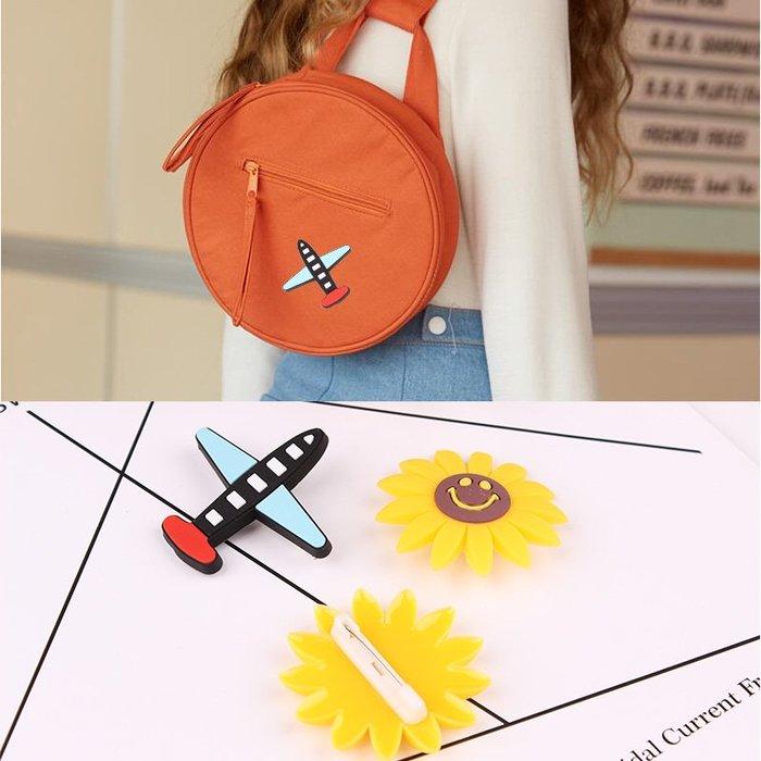 胸花 別針 徽章 日韓個性飛機胸針可愛向日葵胸花衣服包包別針圍巾披肩扣配飾品女