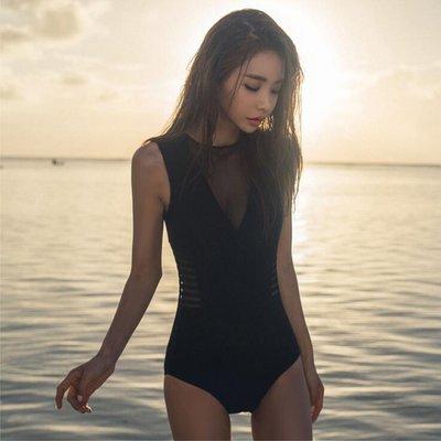 韓版新款網紅拍照打卡 黑色連身泳衣 性感網紗鏤空 泡溫泉海邊沙灘游泳 遮肚顯瘦美背 隱約顯胸超好看 J61