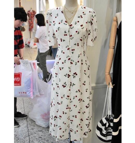 正韓洋裝 韓版時尚俏皮清新櫻桃印花氣質V領顯瘦長款連身裙短袖裙—莎芭
