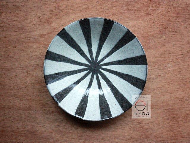 +佐和陶瓷餐具批發+【XL070919-1土物二色十草6皿-日本製】日本製  圓皿 造型皿 點心盤 營業餐具