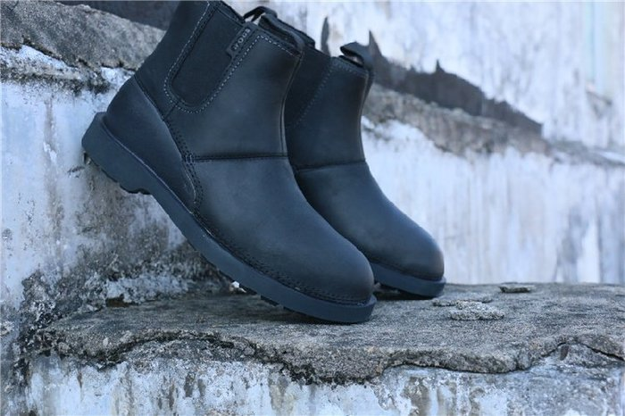 香港OUTLET代購 歐美男皮靴 潮人必備 套腳短靴 中邦牛皮靴 上班通勤戶外 防滑 大碼鞋 工作鞋休閑鞋 固特異機車靴