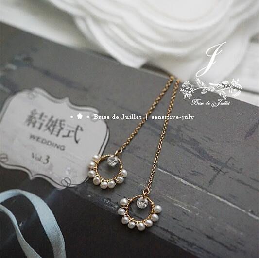 FJ24-法式手工輕珠寶-弦月花環。天然珍珠花環小鋯石長耳墜耳環Bolide Lindy包twilly小馬