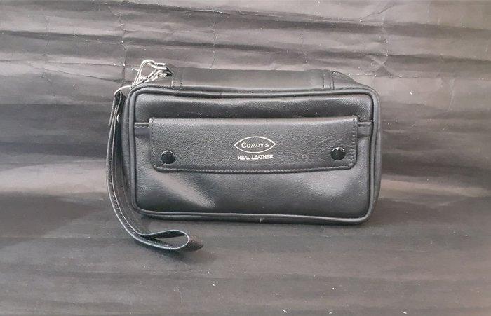 ONE*$1~英國COMOYS《三支煙斗袋 》黑色牛皮*獨立煙草袋/磁鐵釦工具袋