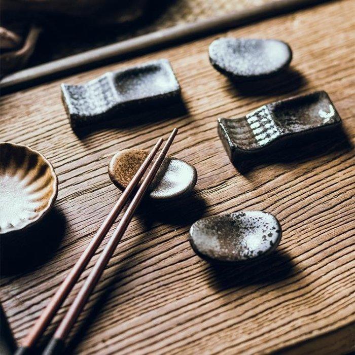 日式筷子架托陶瓷酒店擺台放筷子的架子托簡約創意筷枕家用餐廳用BLBH