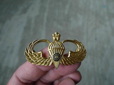 早期---國軍傘兵徽章----寬5.1公分
