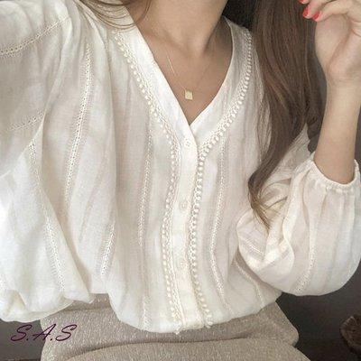 SAS 韓系V領蕾絲衫 女氣質襯衫 OL甜美韓版白色長袖襯衫 襯衫 韓版 韓版襯衫 其他襯衫 長袖襯衫 女【1228B】