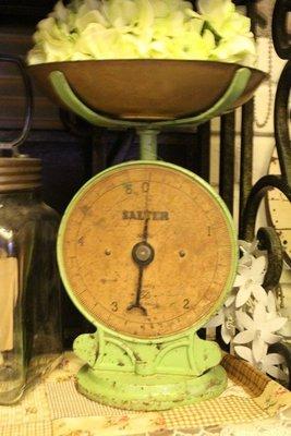 ZAKKA糖果臘腸鄉村雜貨坊    英國SALTER古董秤.綠色NO.50磅秤.西洋古董秤(乾燥花不雕花會場佈置園藝造景