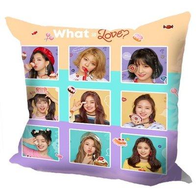 現貨!TWICE 全體 周子瑜 娜璉 Momo 抱枕 靠墊 枕頭,40x40cm,緞紋布,色彩鮮豔,印製精美。H款