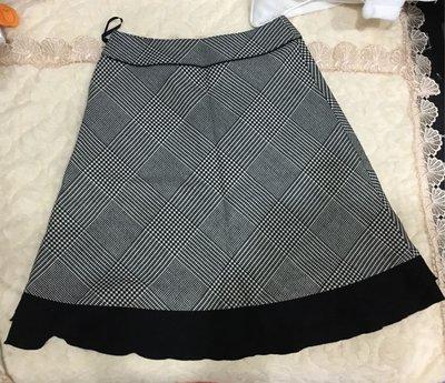 日系日本製~CLEAR IMPRESSION 經典羊毛A字格字裙~二手狀況良好~跟新品一樣