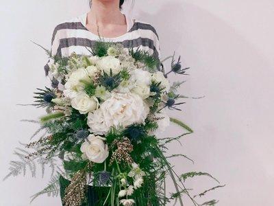 F12。草感森林捧花。白綠色系。新娘捧花。拍照手綁花。客製捧花。台北歡迎自取【Flower&House花藝之家】