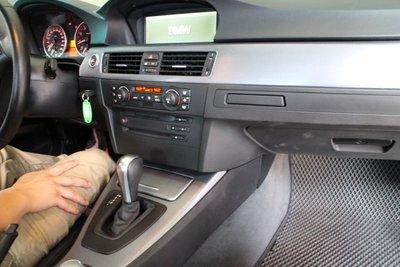 【凱威車藝】BMW E90 E92 汽車 內裝 修復 改色 碳纖維 卡夢 carbon 包膜 髮絲紋 3m