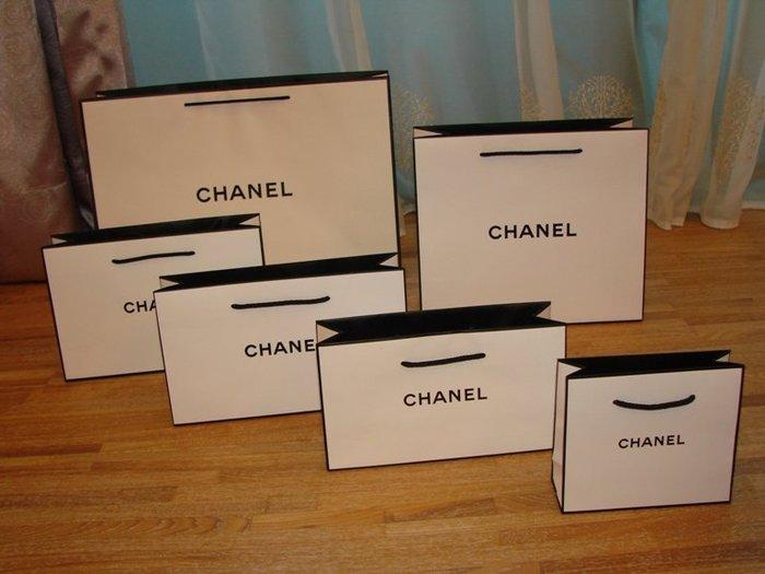 【∮魔法時光∮】CHANEL 香奈兒 新款黑邊白色LOGO紙袋/提袋/禮品包裝袋