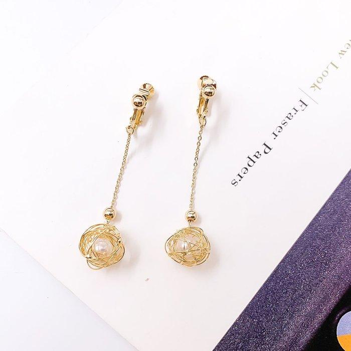 韓國❤️ 極簡 垂耳 珍珠 線圈 垂墜 夾式耳環 / 耳環【Verina's韓系美飾】