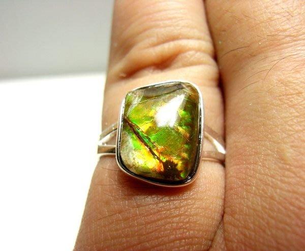 小風鈴~天然極品925銀七彩斑彩石戒指(重2.4g)又名~發達石.麒麟石(帶綠紅光)活動式戒圍