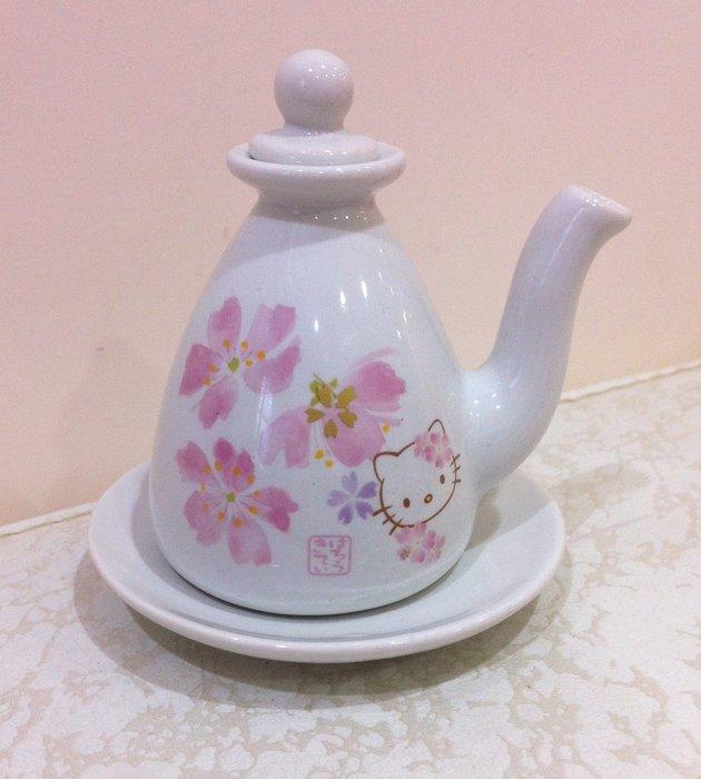 《東京家族》Kitty 櫻花系列 陶瓷醬油壺/醋壺  附陶瓷碟