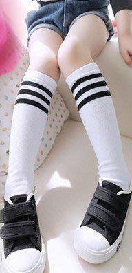 【批貨達人】白色運動型條紋中筒襪...
