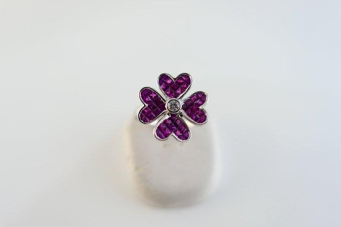 [吉宏精品交流中心]1.40克拉(48P) 天然紅寶石 天然鑽石 白K金 造型 戒指(附證書)