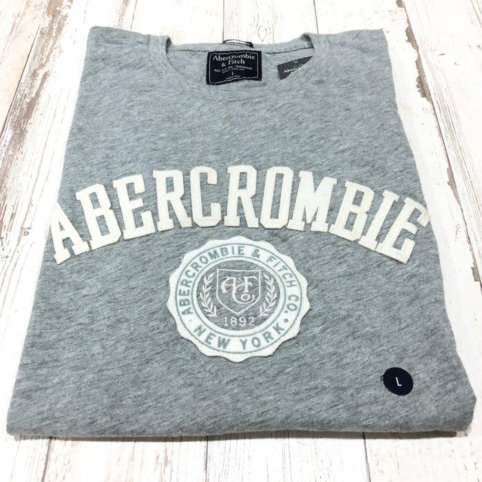 Maple麋鹿小舖 Abercrombie&Fitch *AF 灰色電繡字母徽章短T * ( 現貨L號 )