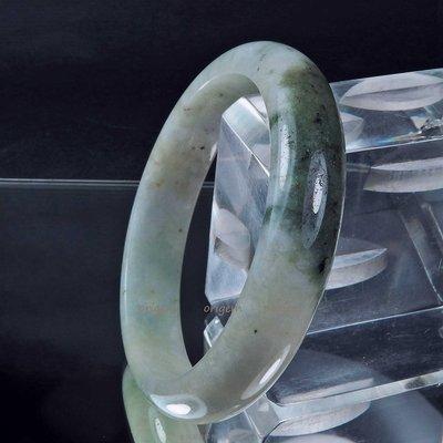 珍珠林~寬板美鐲.A貨緬甸三彩翠玉(內徑51.5mm, 手圍17號)~限量新品 #036