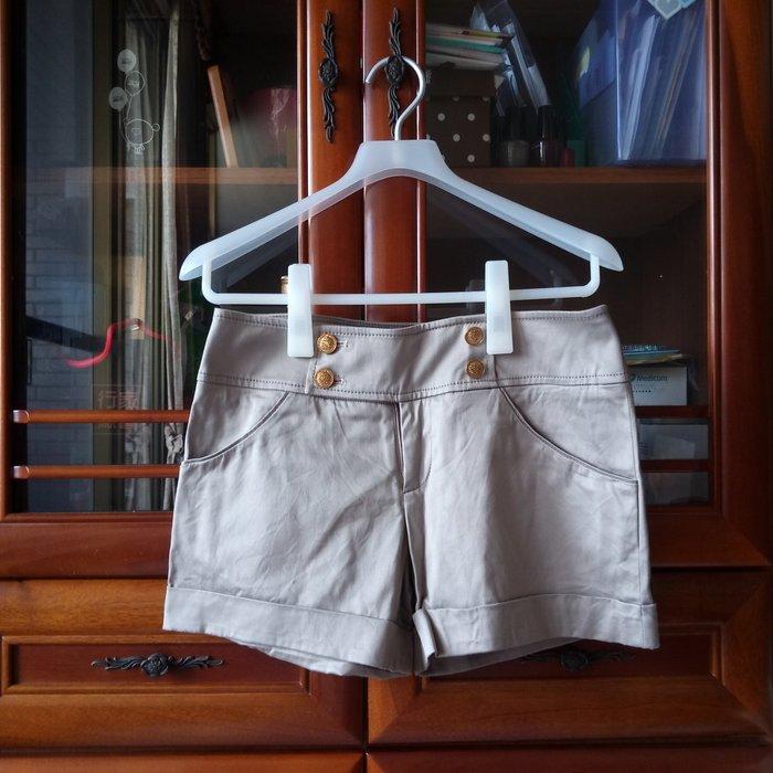 NR 卡其色金扣短褲 3號 原價2790元