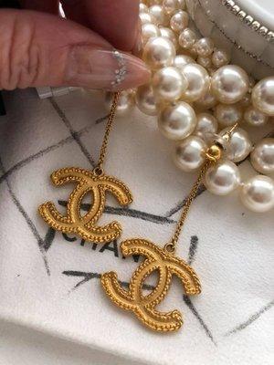 香奈兒-吊式金色麥穗3cm雙C針式耳環 桃園市