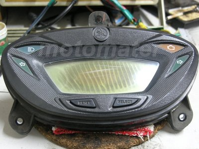 山葉 YAMAHA GTR 液晶螢幕淡化維修(大明 機車液晶儀表板專業維修廠)
