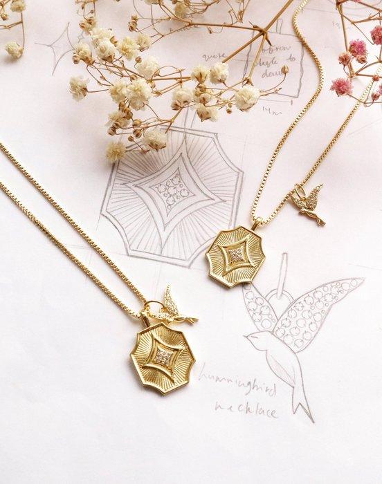 Wanderlust+Co 澳洲品牌 Art Deco錢幣X鑲鑽蜂鳥 金色雙墜項鍊 Stargazer
