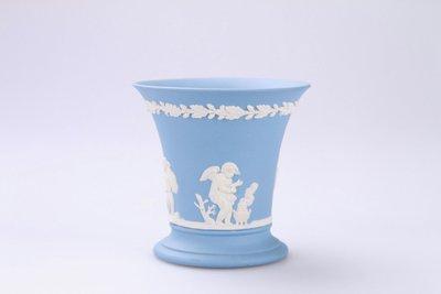 英國Wedgwood 瑋緻活 Wedgwood Blue藝術骨瓷浮雕玉石瓶